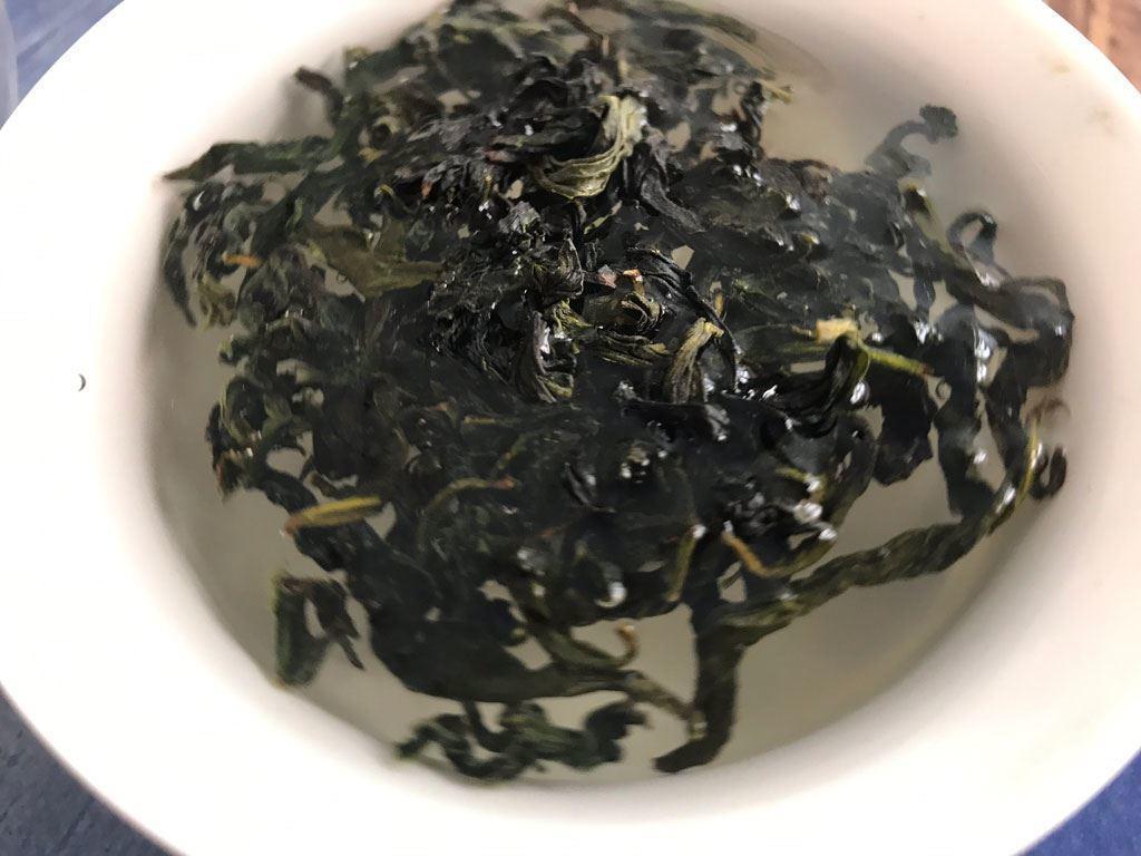 primera infusión del té oolong