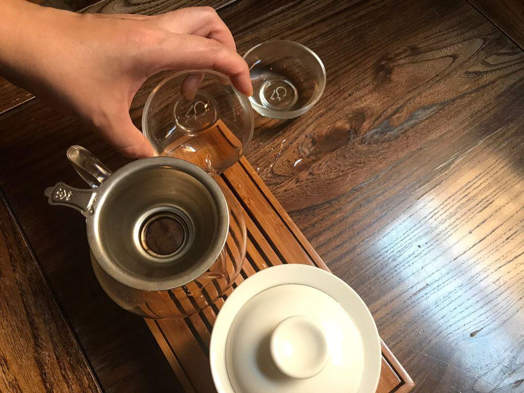 vaciar los vasos gongfu