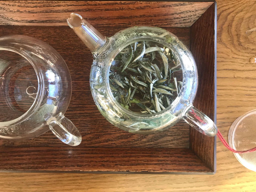hoja té blanco primera infusión